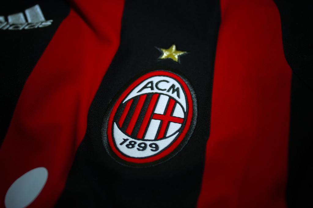 Typy bukmacherskie na mecz Udinese – AC Milan. Jakie kursy i zakłady oferują bukmacherzy?